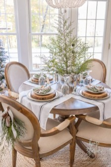 Modern Rustic Christmas Table Settings Ideas 20