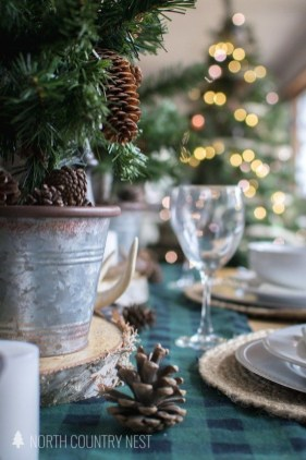 Modern Rustic Christmas Table Settings Ideas 33