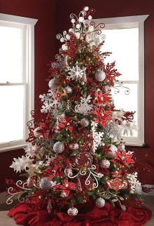 Stylish Decorated Christmas Trees 2018 Ideas 19