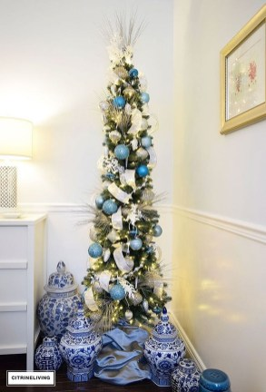 Stylish Decorated Christmas Trees 2018 Ideas 44