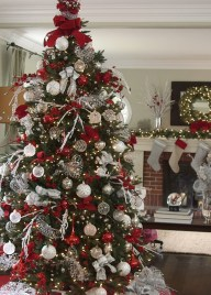 Wonderful Red Christmas Decoration Ideas 06