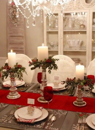 Wonderful Red Christmas Decoration Ideas 47