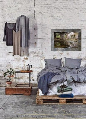 Attractive Industrial Bedroom Design Ideas 07