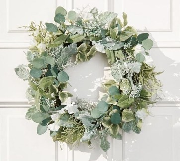 Awesome Christmas Wreath Decoration Ideas For Your Home 20