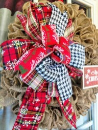 Awesome Christmas Wreath Decoration Ideas For Your Home 24