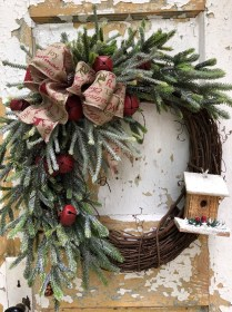 Awesome Christmas Wreath Decoration Ideas For Your Home 25