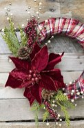Awesome Christmas Wreath Decoration Ideas For Your Home 30