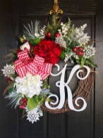 Awesome Christmas Wreath Decoration Ideas For Your Home 36