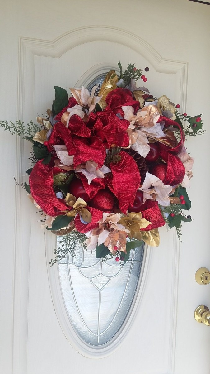 Awesome Christmas Wreath Decoration Ideas For Your Home 48