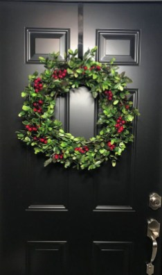Awesome Christmas Wreath Decoration Ideas For Your Home 52
