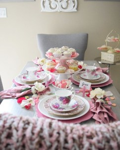 Charming Dining Room Decor Ideas For Valentines Day 13