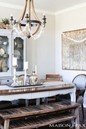 Charming Dining Room Decor Ideas For Valentines Day 28