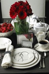 Cute Table Setting Ideas For Valentines Day 28
