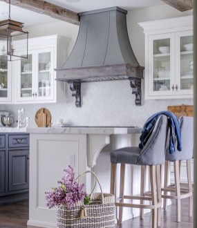 Delightful French Country Kitchen Design Ideas 20