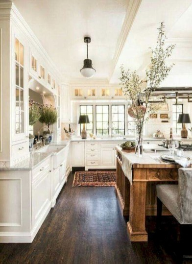 Delightful French Country Kitchen Design Ideas 31