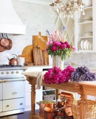 Delightful French Country Kitchen Design Ideas 53