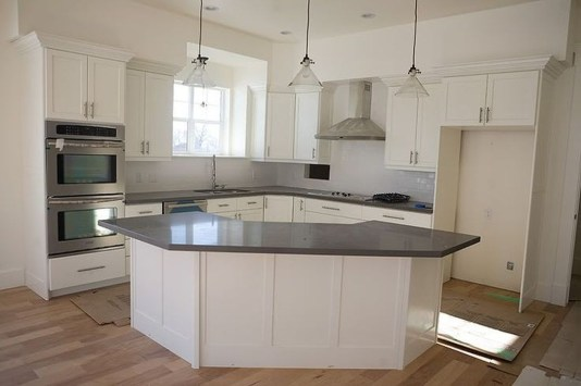 Modern Kitchen Island Decor Ideas 15