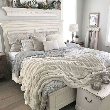 Stylish Farmhouse Bedroom Decor Ideas 17