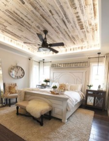 Stylish Farmhouse Bedroom Decor Ideas 23