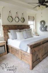 Stylish Farmhouse Bedroom Decor Ideas 44