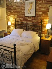 Wonderful Ezposed Brick Walls Bedroom Design Ideas 43