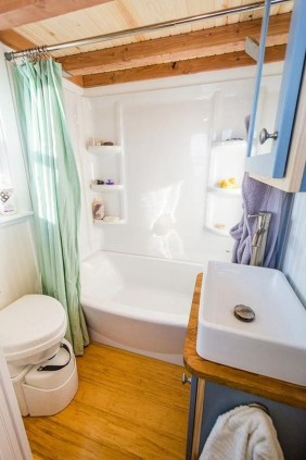 Perfect Tiny House Bathroom Design Ideas 08