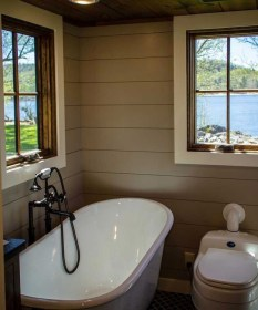 Perfect Tiny House Bathroom Design Ideas 14