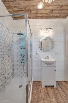 Perfect Tiny House Bathroom Design Ideas 38