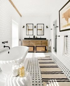 Wonderful Farmhouse Bathroom Decor Ideas 14
