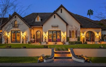 Awesome French Country Exterior Design Ideas For Home 02