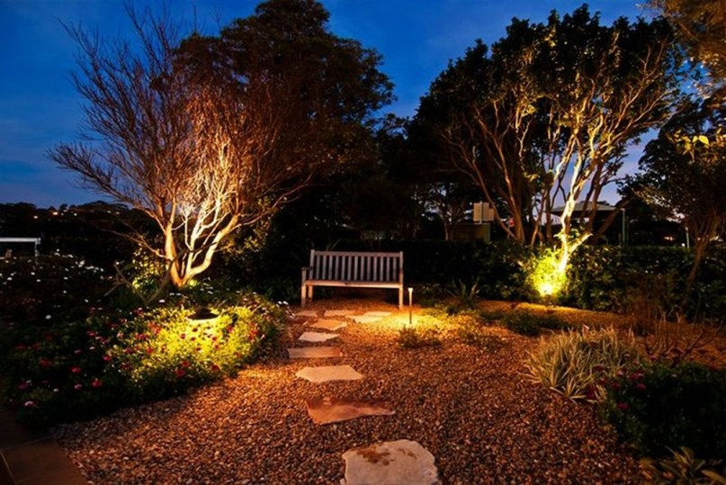 Cute Outdoor Lighting Ideas For Garden 37