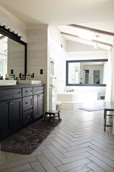 Elegant Farmhouse Bathroom Wall Color Ideas 39