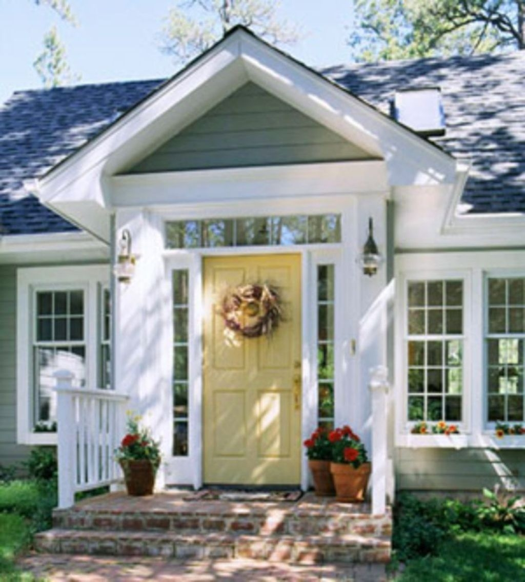 Flawless Exterior House Paint Ideas With Yellow Colors 25