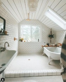 Modern Attic Bathroom Design Ideas 04