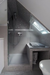 Modern Attic Bathroom Design Ideas 23