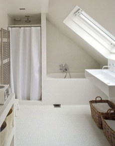 Modern Attic Bathroom Design Ideas 28