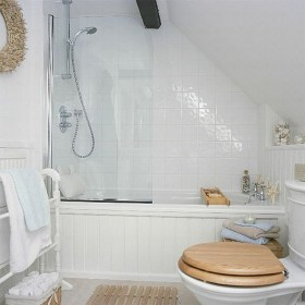 Modern Attic Bathroom Design Ideas 37