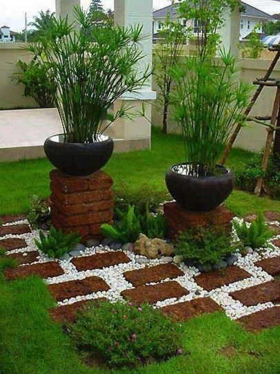 Stunning Front Yard Courtyard Landscaping Ideas 15