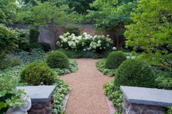 Stunning Front Yard Courtyard Landscaping Ideas 39