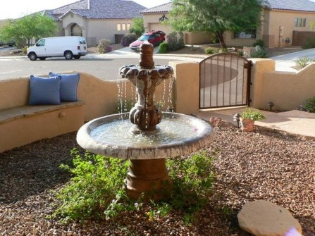 Stunning Front Yard Courtyard Landscaping Ideas 52