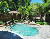 Amazing Natural Small Pools Design Ideas For Backyard 16