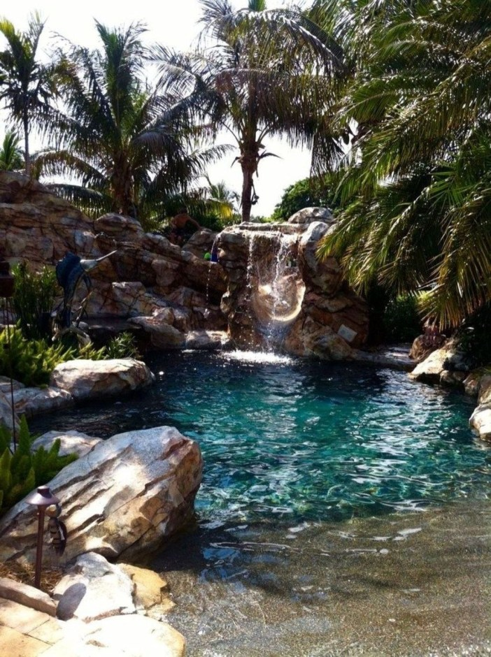 Amazing Natural Small Pools Design Ideas For Backyard 24