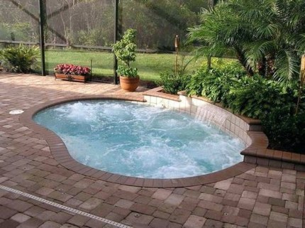 Amazing Natural Small Pools Design Ideas For Backyard 25