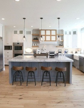 Attractive Kitchen Decorating Ideas With Farmhouse Style 33