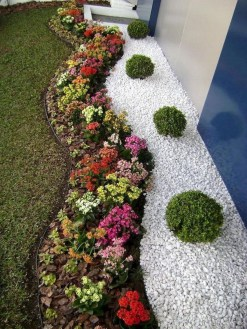 Brilliant Rock Garden Landscaping Ideas For Front Yard 35
