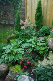 Fantastic Front Yard Rock Garden Ideas 22
