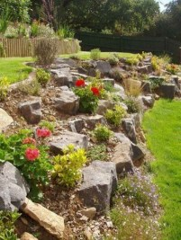 Fantastic Front Yard Rock Garden Ideas 38