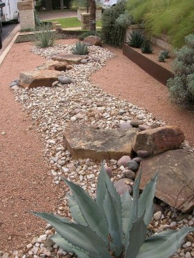 Fantastic Front Yard Rock Garden Ideas 44
