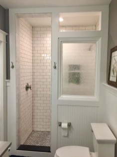 Gorgeous Small Bathroom Remodel Ideas On A Budget 04