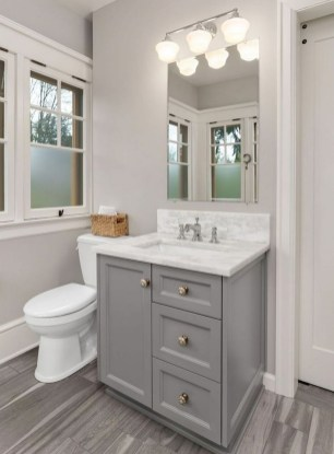 Gorgeous Small Bathroom Remodel Ideas On A Budget 16